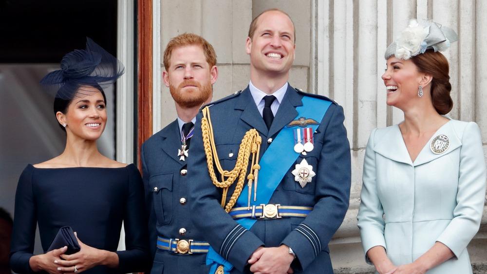 El príncipe Harry y el príncipe William con sus esposas Kate Middleton y Meghan Markle