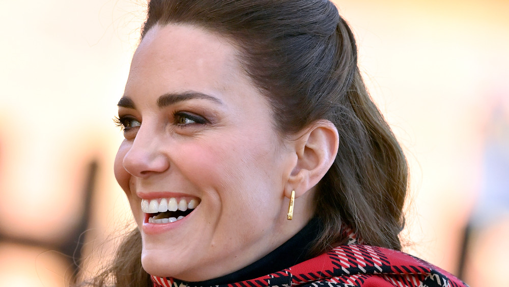Kate Middleton riendo