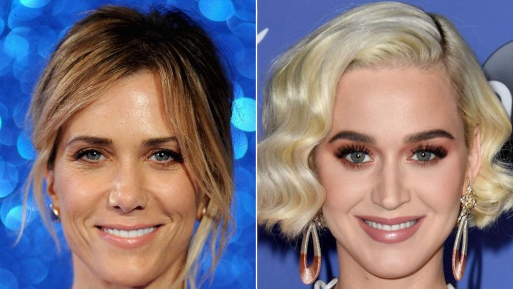Katy Perry y Kristen Wiig sonriendo