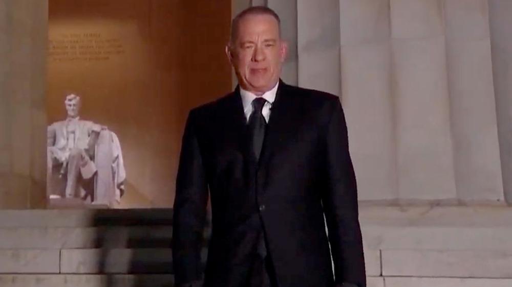 Tom Hanks en el Lincoln Memorial