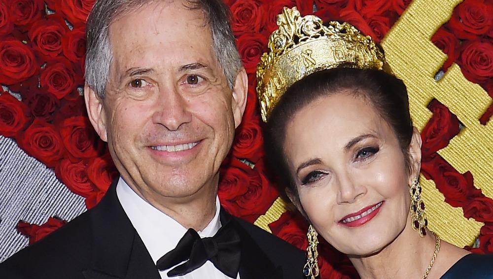 Robert Altman y Lynda Carter, alfombra roja
