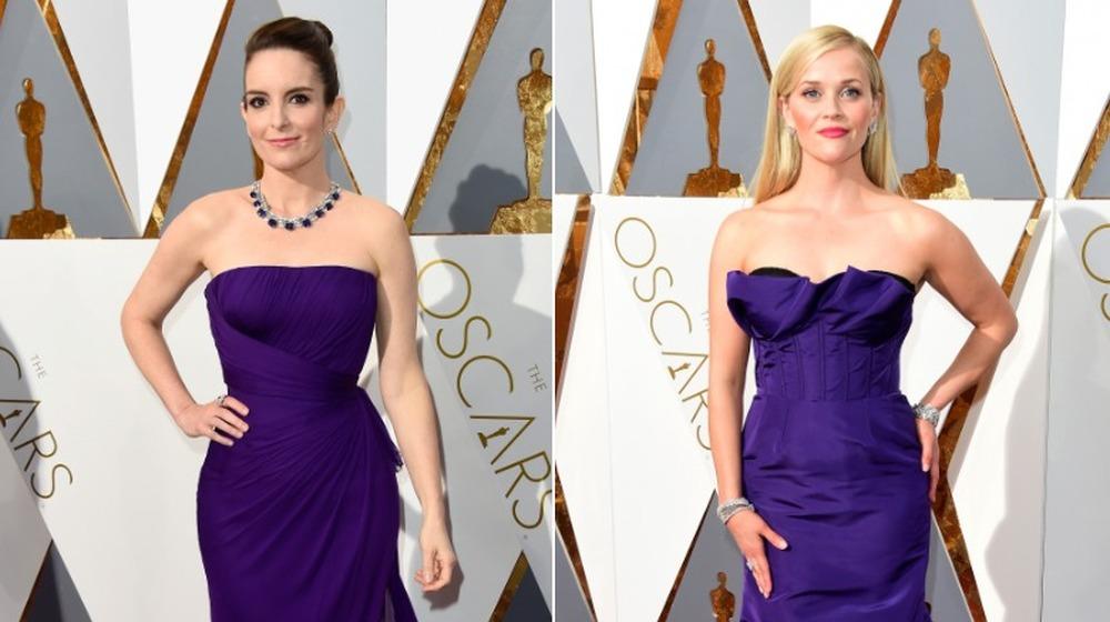 Tina Fey (izquierda) y Reese Witherspoon (derecha) en los Oscar
