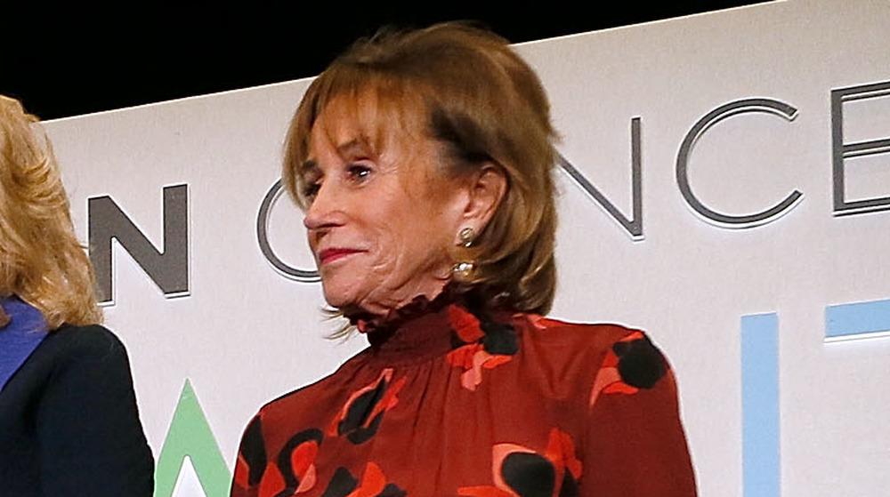 Valerie Biden Owens en el escenario de la recepción de bienvenida de la Cumbre del Cáncer de Biden en 2018