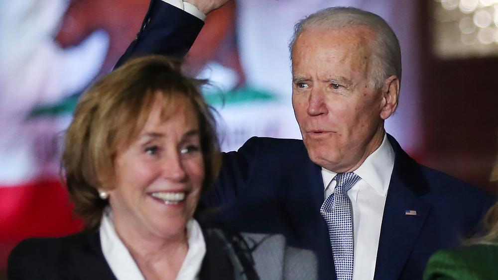 Valerie Biden Owens y Joe Biden sonriendo