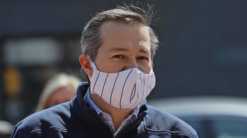 Tom Ricketts con máscara