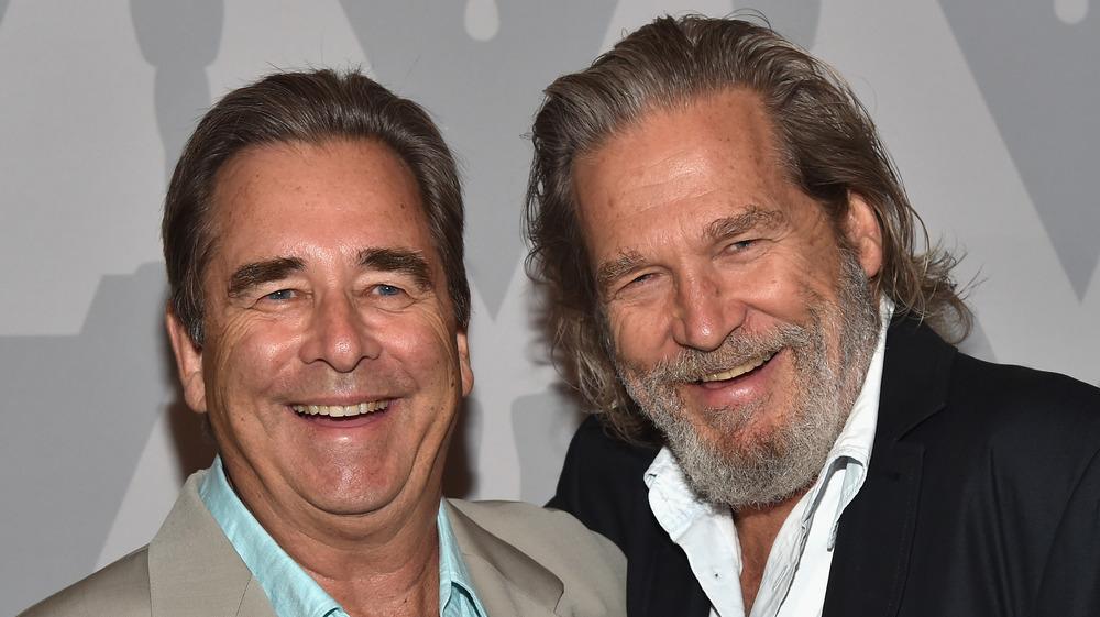 Beau Bridges y Jeff Bridges riendo