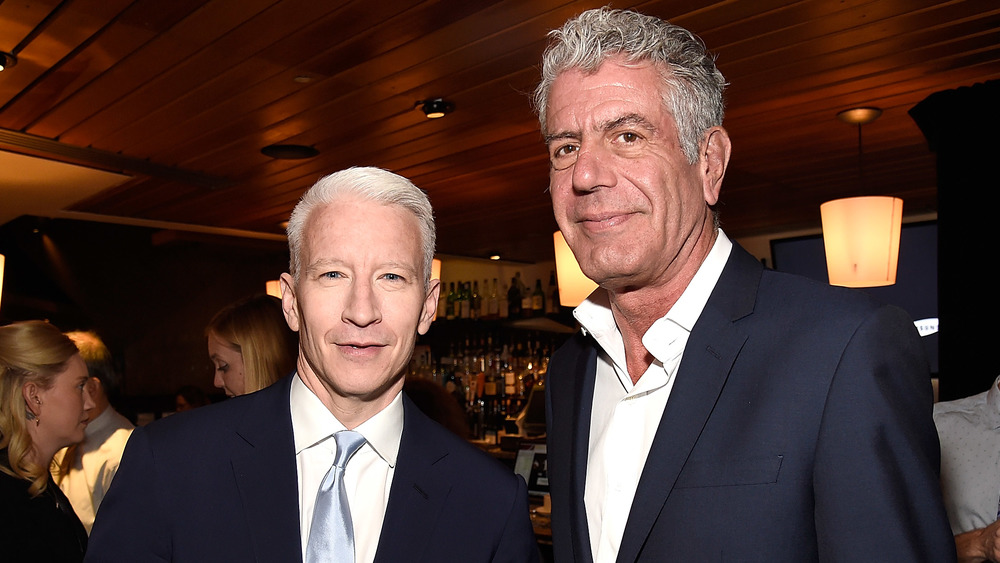 Anderson Cooper y Anthony Bourdain