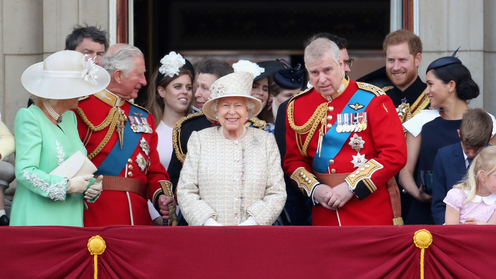 Los miembros de la realeza aparecen juntos en el desfile anual de cumpleaños de la Reina en 2019