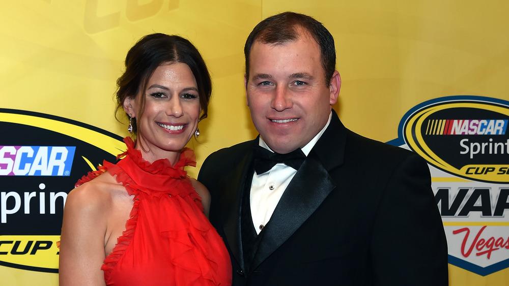Krissie y Ryan Newman en la alfombra roja