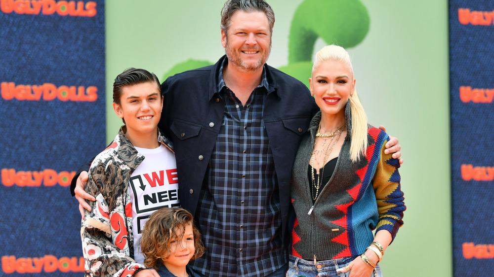 Blake Shelton y Gwen Stefani con sus hijos
