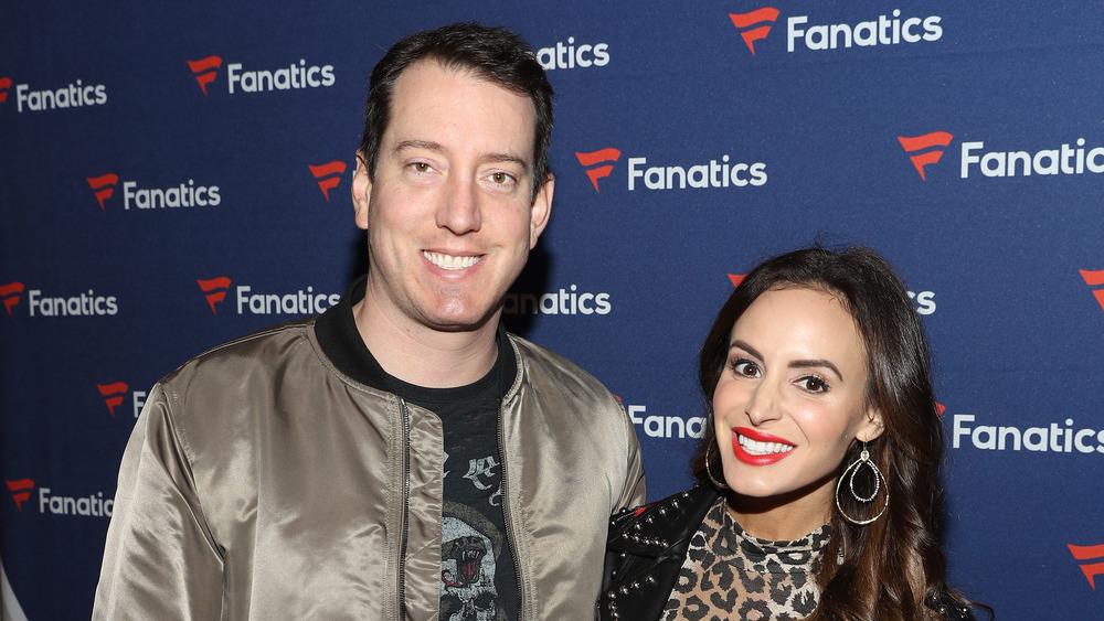 Kyle Busch y Samantha Busch sonriendo