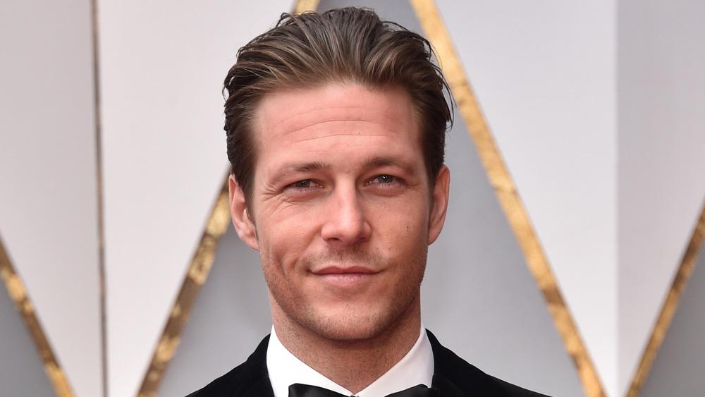 Luke Bracey en los Oscar