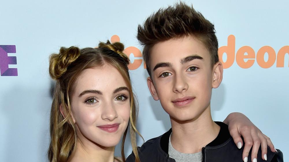 Lauren Orlando posando con su hermano Johnny Orlando
