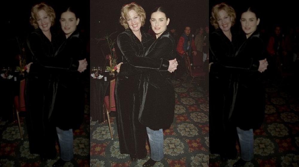 Melanie Griffith y Demi Moore en Disney World