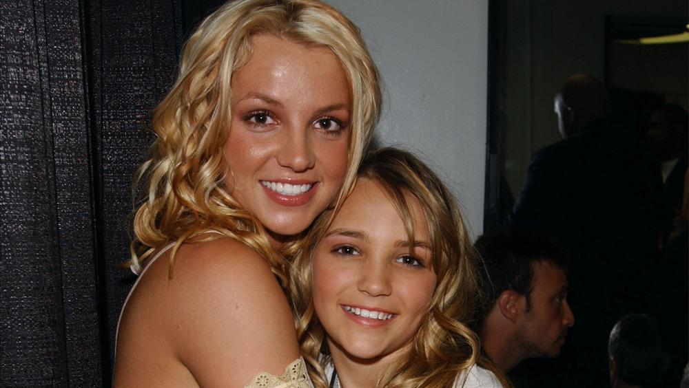 Jamie Lynn y Britney aparecen en los Nickelodeon Kid's Choice Awards en 2003