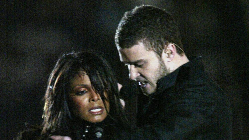 Janet Jackson y Justin Timberlake en el Super Bowl de 2004