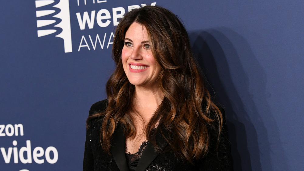 Monica Lewinsky sonriendo