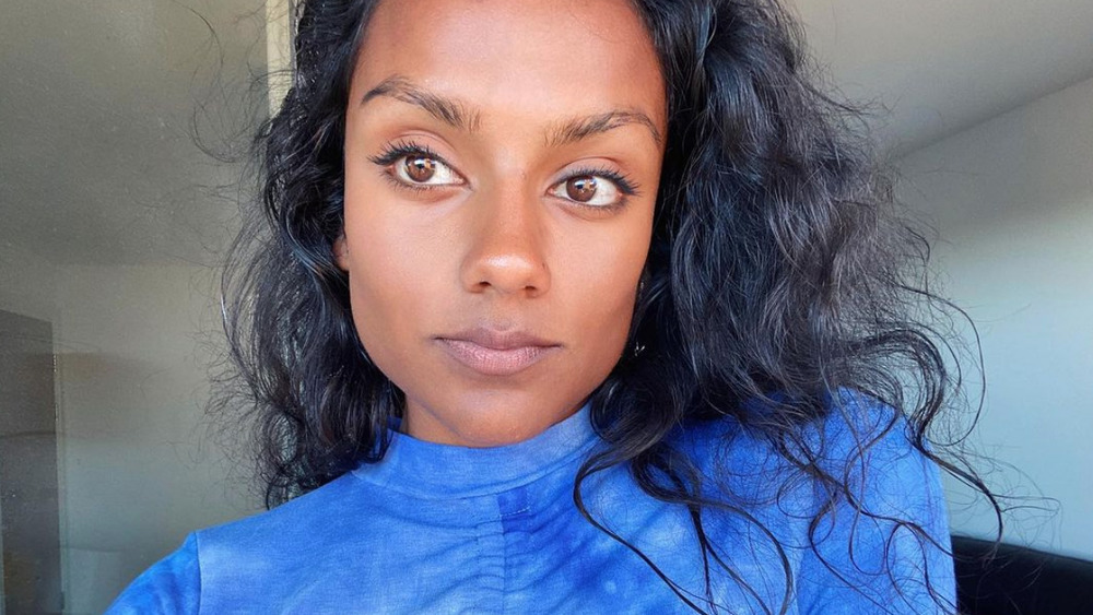 Selfie de Simone Ashley