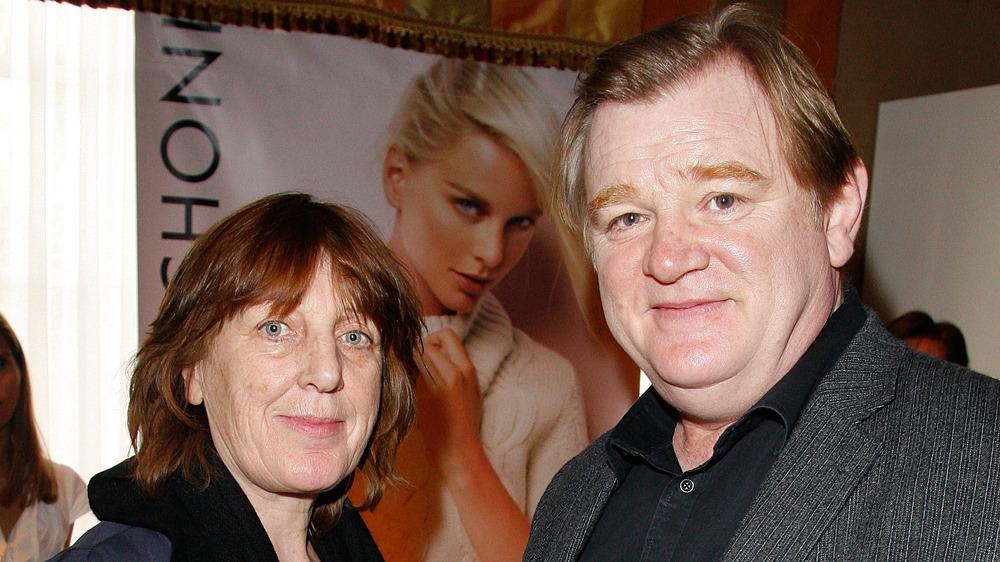 Mary Weldon y Brendan Gleeson sonriendo