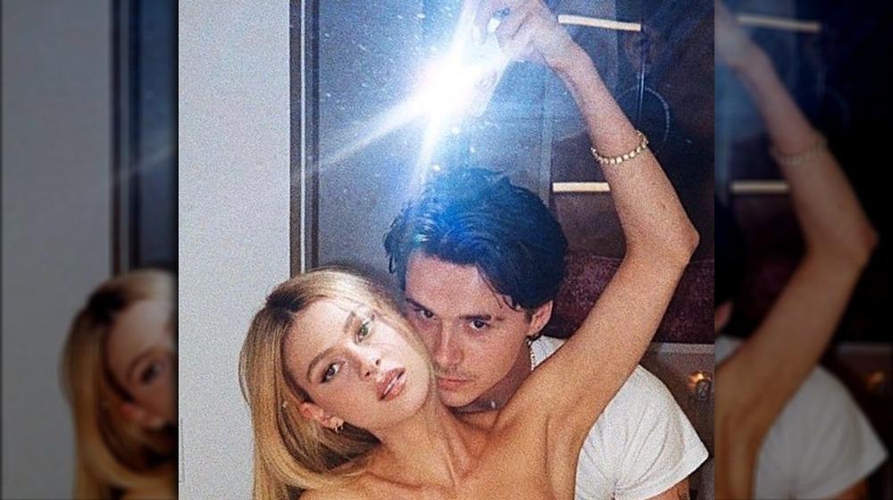 Brooklyn Beckham y Nicola Peltz se toman una selfie ardiente