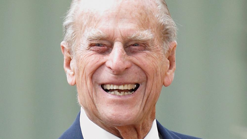 Príncipe Felipe riendo