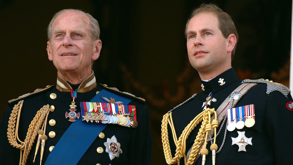 El príncipe Felipe y su hijo el príncipe Eduardo