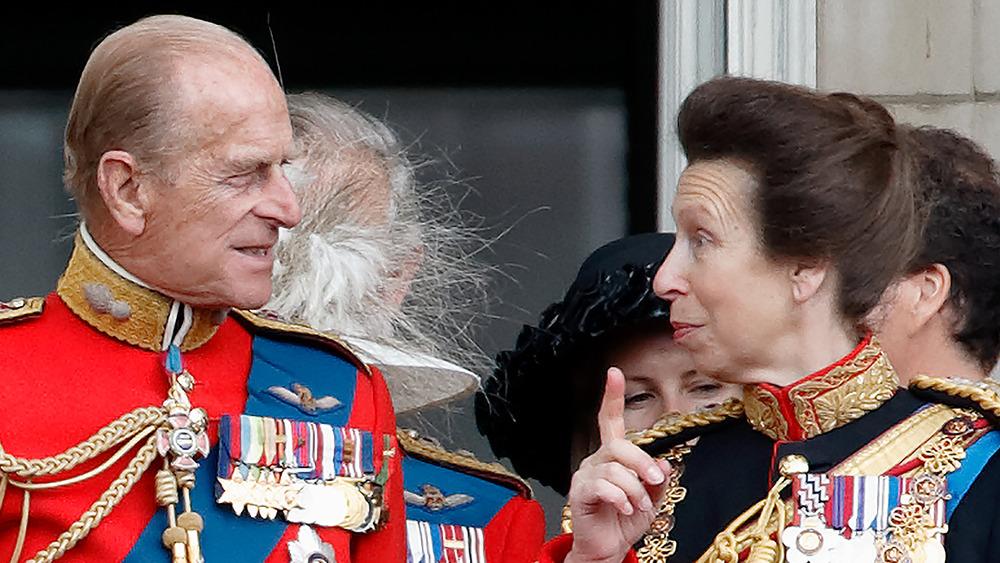 El príncipe Felipe y su hija, la princesa Ana