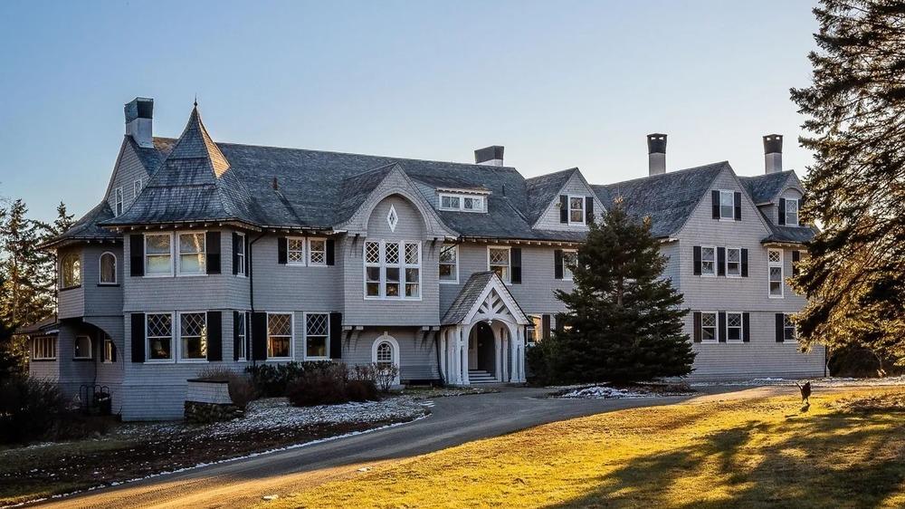 Mansión de John Travolta en Maine