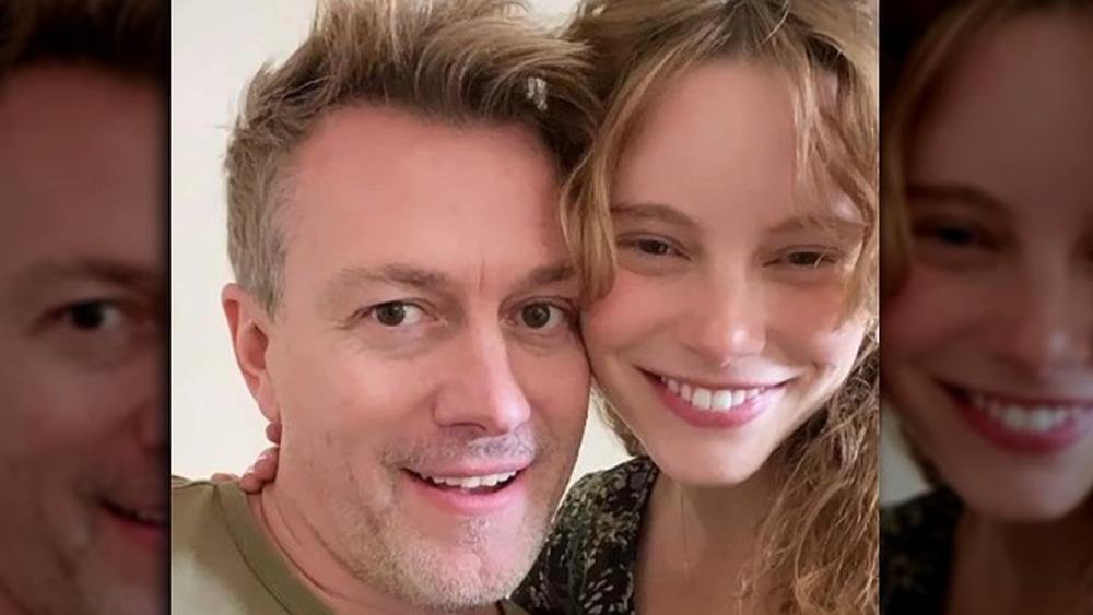Kyle Newman y Cynthia Nabozny aparecen en una selfie