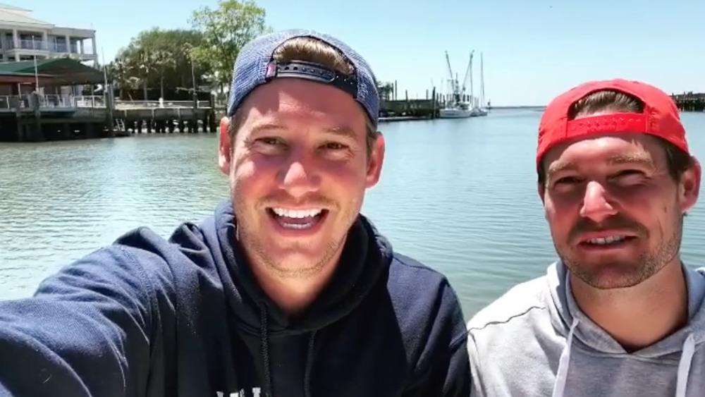 Austen Kroll y Craig Conover hablan en un video selfie