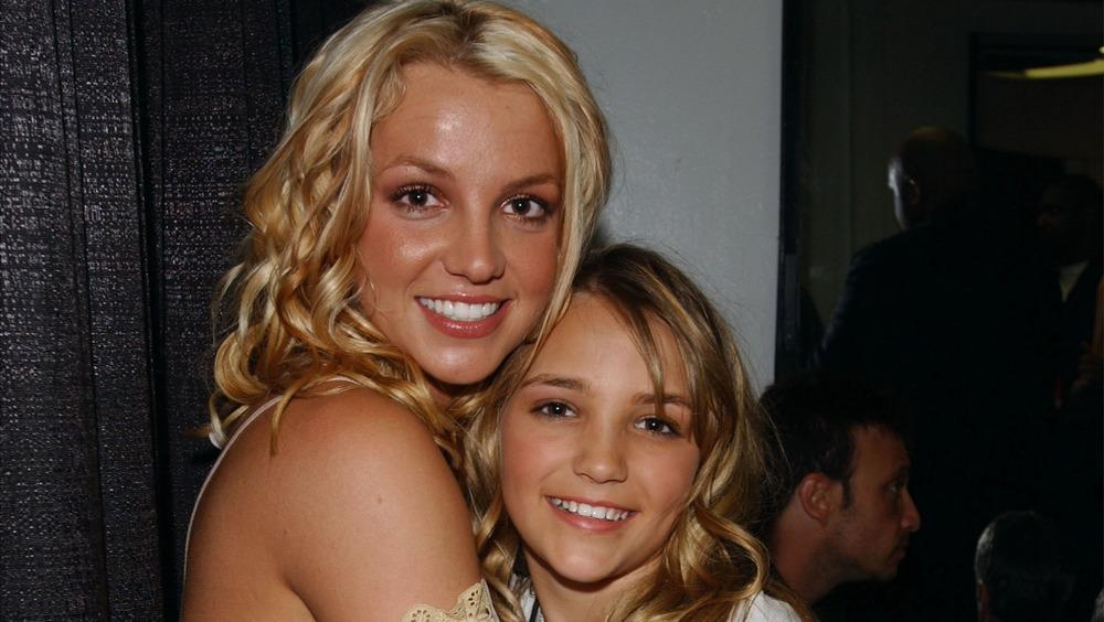 Britney Spears abraza a Jamie Lynn Spears
