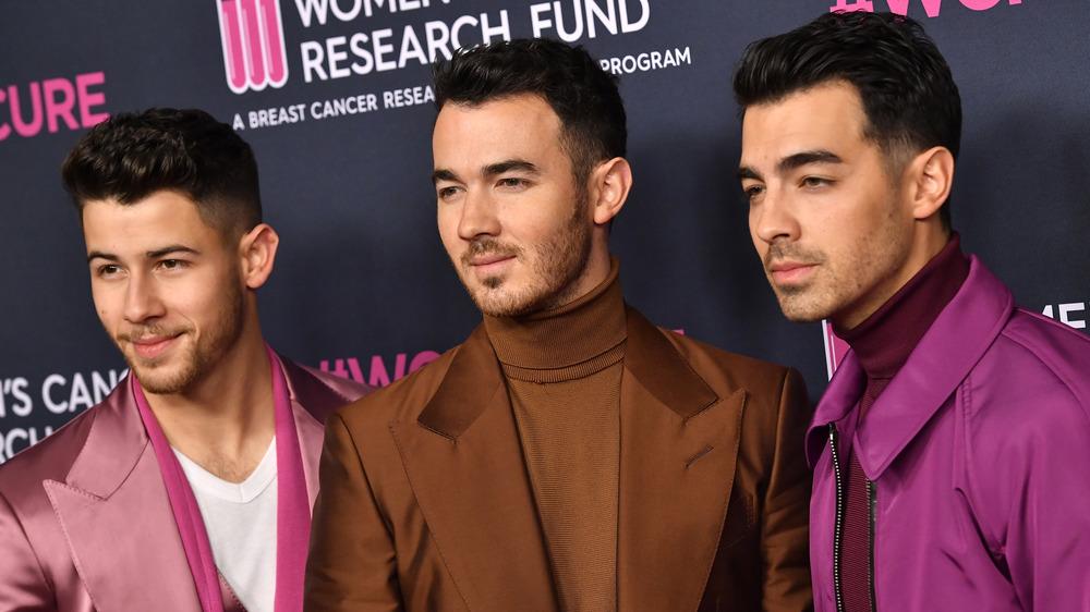 Los Jonas Brothers en la alfombra roja