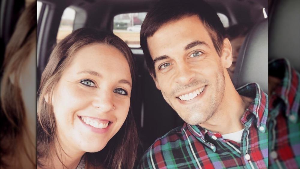 Jill Duggar y Derick Dillard posando para una selfie
