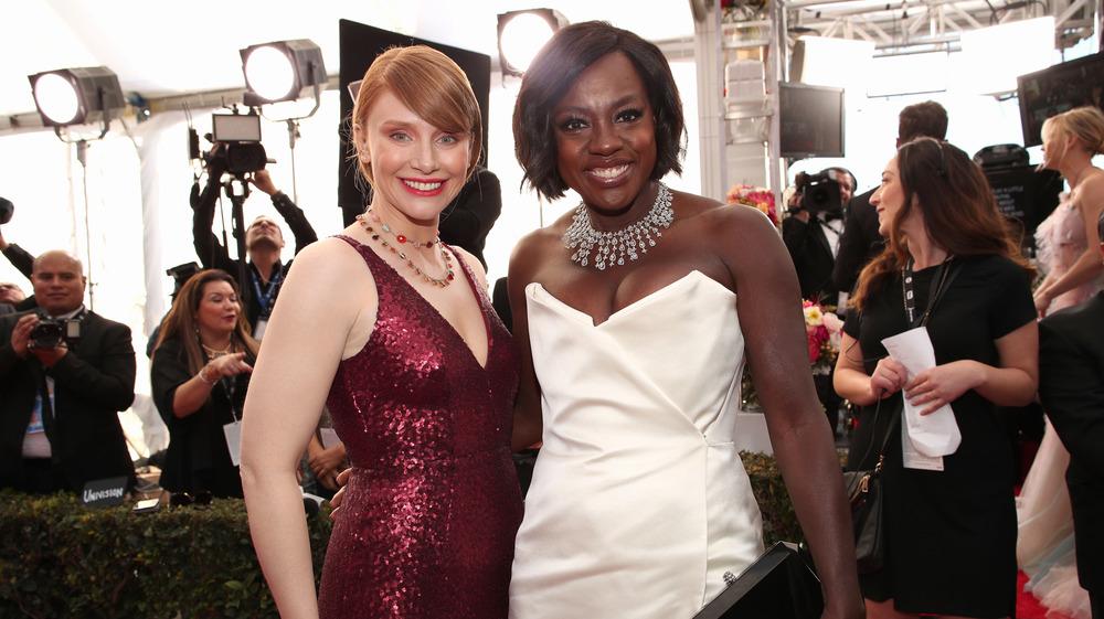 Viola Davis y Bryce Dallas Howard en los Screen Actors Guild Awards 2017