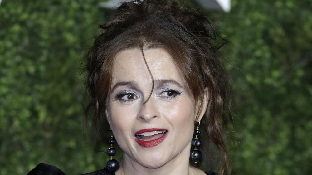 Helena Bonham Carter sonriendo