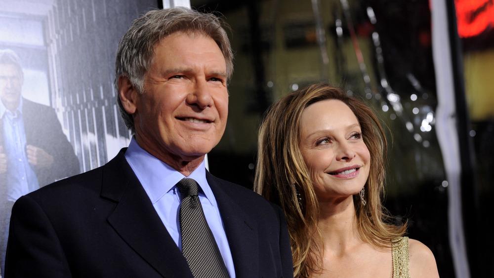 Harrison Ford y Calista Flockhart sonriendo
