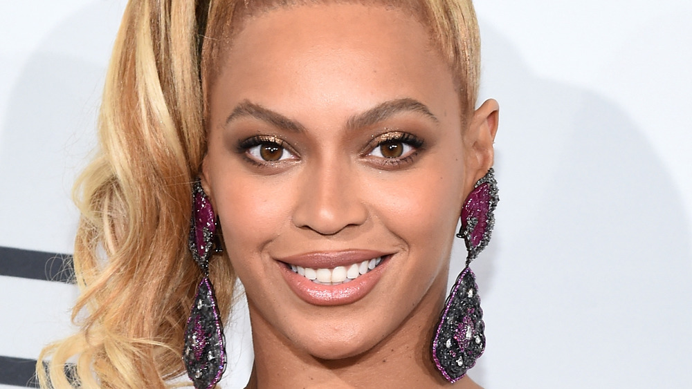 Beyonce sonriendo
