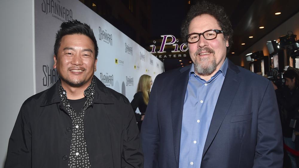 Roy Choi y Jon Favreau posando juntos