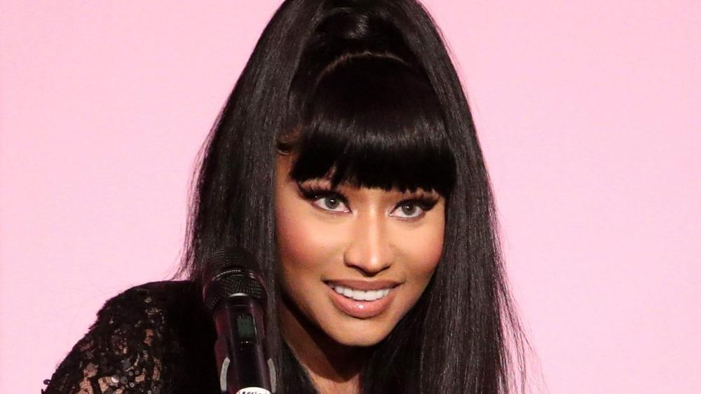 Nicki Minaj al micrófono