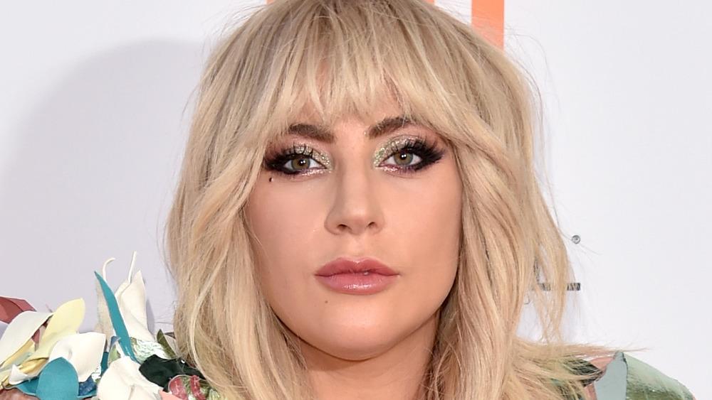 Lady Gaga posando