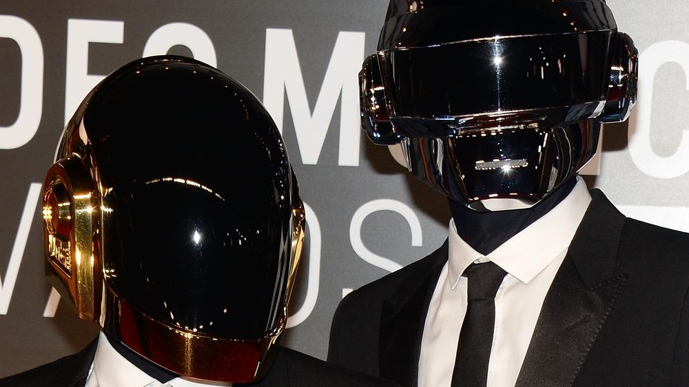 Daft Punk posando