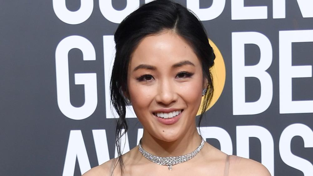 Constance Wu sonriendo