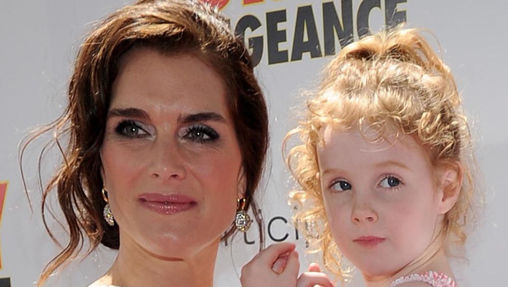 Brooke Shields y su hija Grier en la alfombra roja en 2010