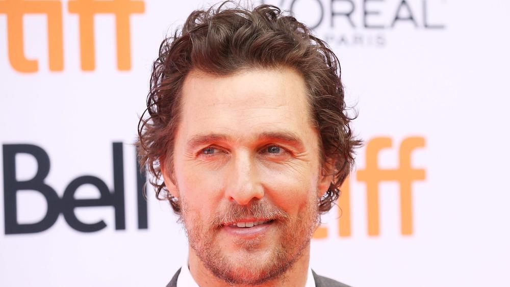 Matthew McConaughey en una alfombra roja