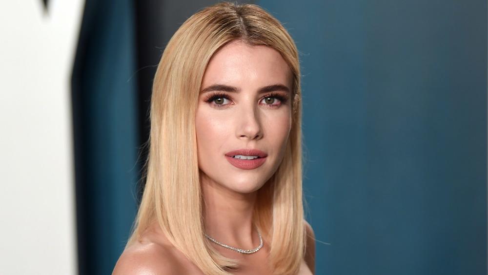 Emma Roberts asiste a la fiesta de los Oscar de Vanity Fair