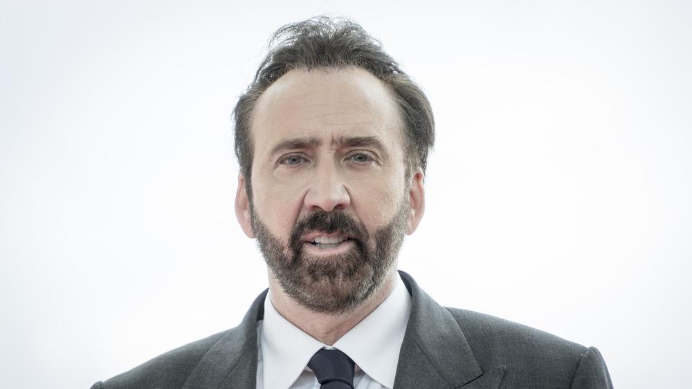 Nicolas Cage posando