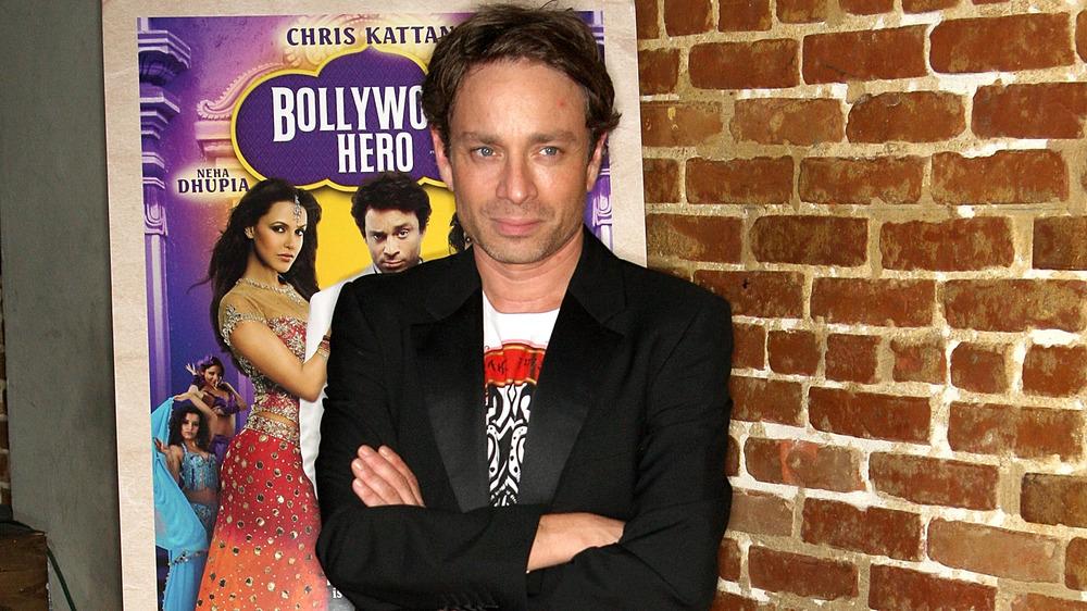 Chris Kattan sonriendo en el estreno de Bollywood Hero