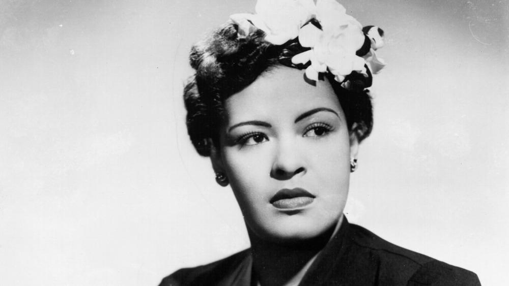 retrato de Billie Holiday apartar la mirada
