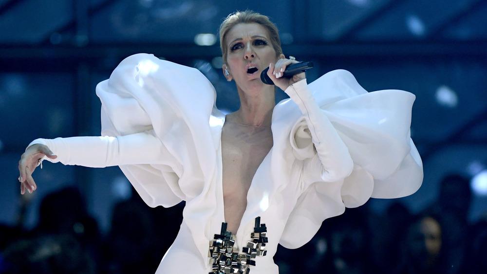 Celine Dion cantando