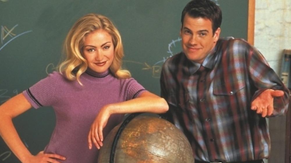 Portia de Rossi y Mitch Mullany en Nick Freno: foto promocional del maestro con licencia
